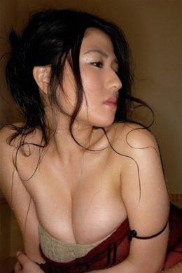滝沢乃南の下着やランジェリーの画像-01-050
