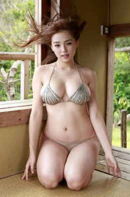篠崎愛の下着やランジェリーの画像-01-050