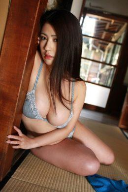 滝沢乃南の下着やランジェリーの画像-01-009