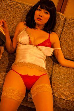 今野杏南の下着やランジェリーの画像-01-006