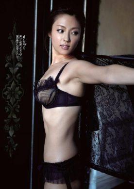深田恭子の下着やランジェリーの画像-01-024