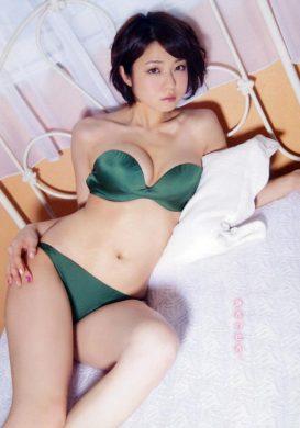 中村静香の下着やランジェリーの画像-01-096