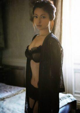 深田恭子の下着やランジェリーの画像-01-006