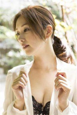 笛木優子の下着やランジェリーの画像-01-006