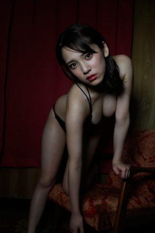 都丸紗也華の下着やランジェリーの画像-01-021