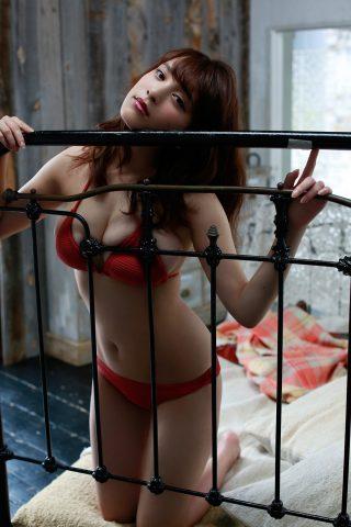 都丸紗也華の下着やランジェリーの画像-01-077