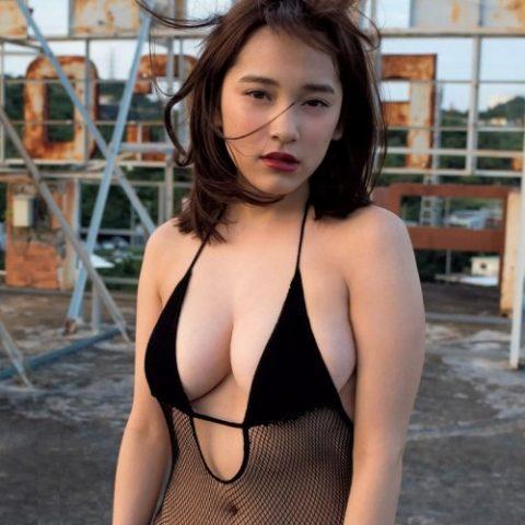都丸紗也華の下着やランジェリーの画像-01-045